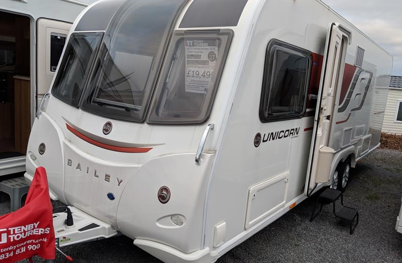 Touring Caravan for Sale: Bailey Unicorn Cartegena - 2016