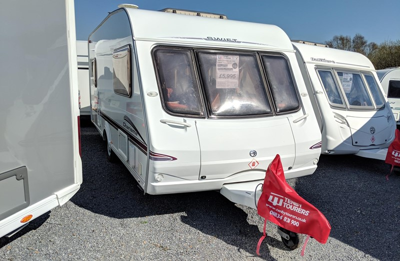 Touring Caravan for Sale: Swift Charisma 540 2006 used 5 berth double dinette
