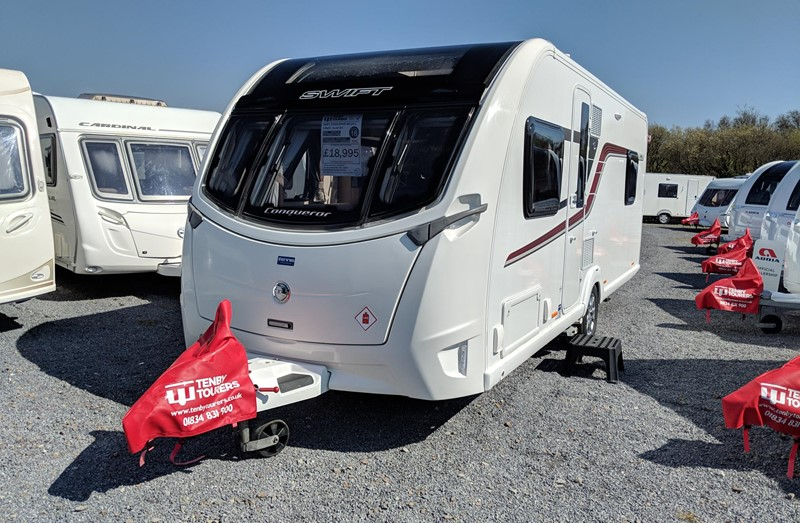 Touring Caravan for Sale: Swift Conqueror 560 2016 Island Bed 4 berth