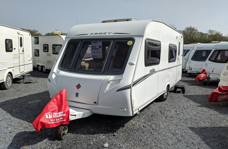 Touring Caravan for Sale: Abbey Vogue 540 2006 bunk beds 6 berth