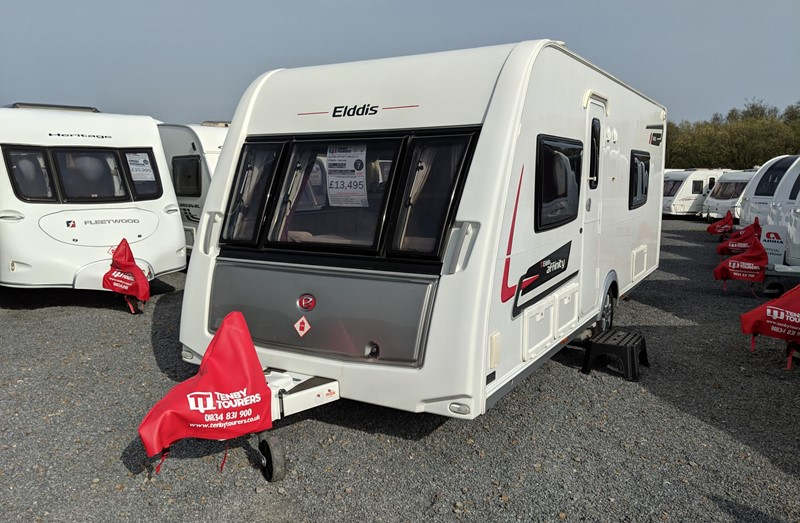 Touring Caravan for Sale: Elddis Affinity 540 2013 fixed bed end washroom 4 berth