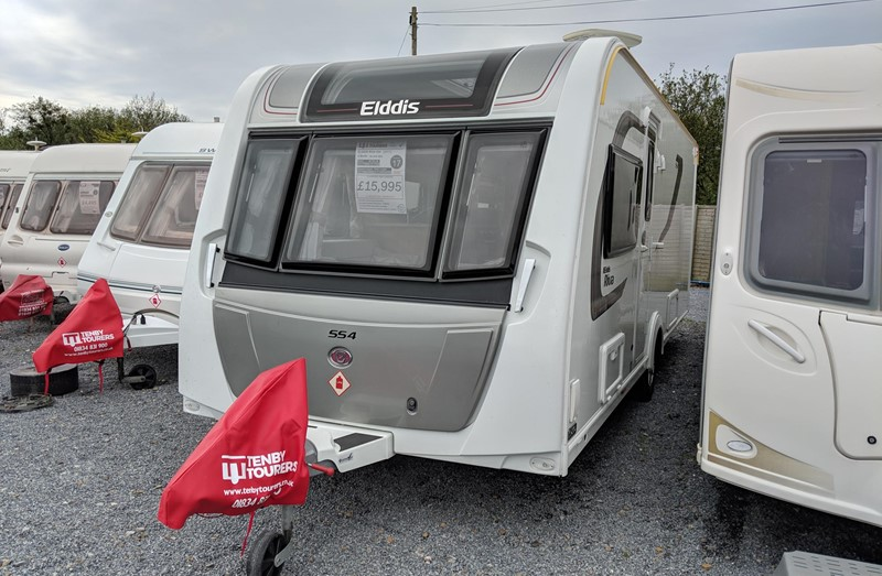 Touring Caravan for Sale: Elddis Riva Avante 554 2017 Island bed 4 berth