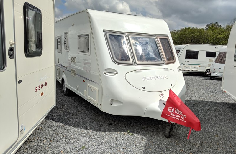 Touring Caravan for Sale: Fleetwood Heritage 560/4 2006 single beds 4 berth