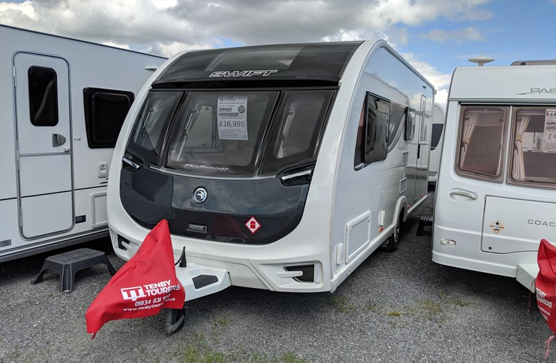 Touring Caravan for Sale: 37. Swift Challenger 530 2018 side dinette 4 berth