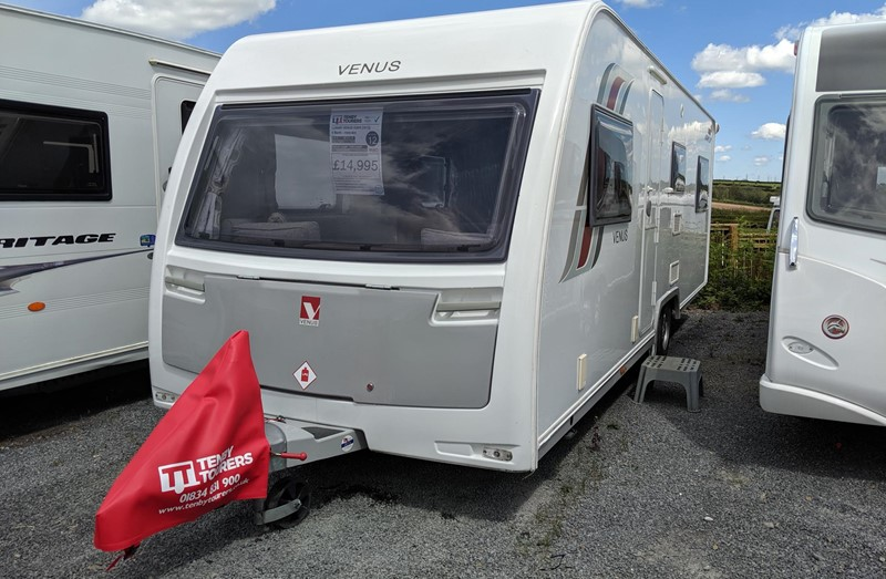 Touring Caravan for Sale: 12. Lunar Venus 620/6 2015 twin axle 6 berth fixed bed