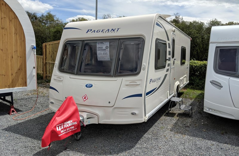 Touring Caravan for Sale: 36. Bailey Pageant Sancerre 2010 fixed bed 4 berth