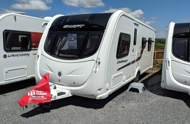 Touring Caravan for Sale: Swift Challenger 580 2011 island bed 4 berth