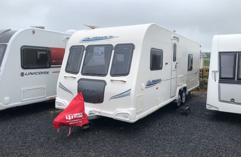 Touring Caravan for Sale: Bailey Pegasus 624 4 Berth 2010 Fixed Bed Twin Axle
