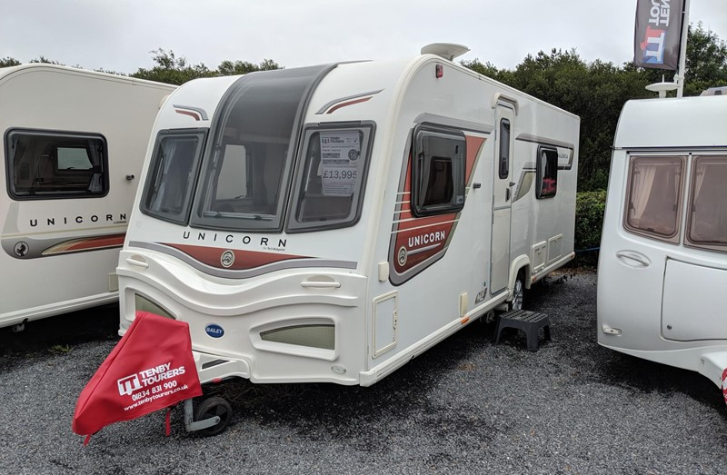 Touring Caravan for Sale: Bailey Unicorn Valencia 2013 4 berth fixed bed