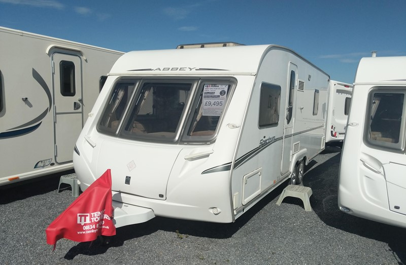 Touring Caravan for Sale: Abbey Spectrum 540 2008 4 berth fixed bed twin axle