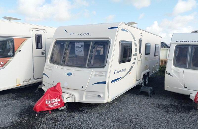 Touring Caravan for Sale: Bailey Pageant Loire series 7 2009 fixed bed twin axle 6 berth