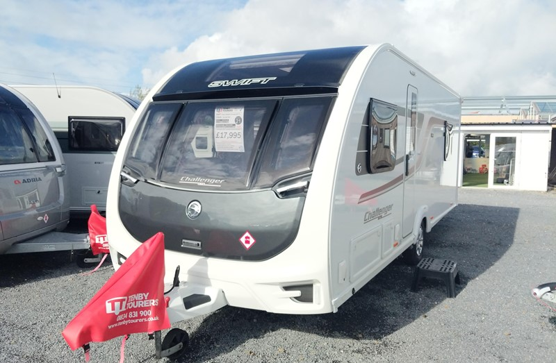 Touring Caravan for Sale: Swift Challenger GTS 560 2017 Island bed 4 berth
