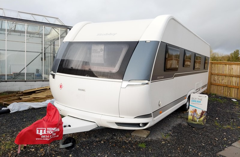 Touring Caravan for Sale: New 2021 Hobby Prestige 720KWFU Fixed bed side dinette bunk beds 6 berth twin axle