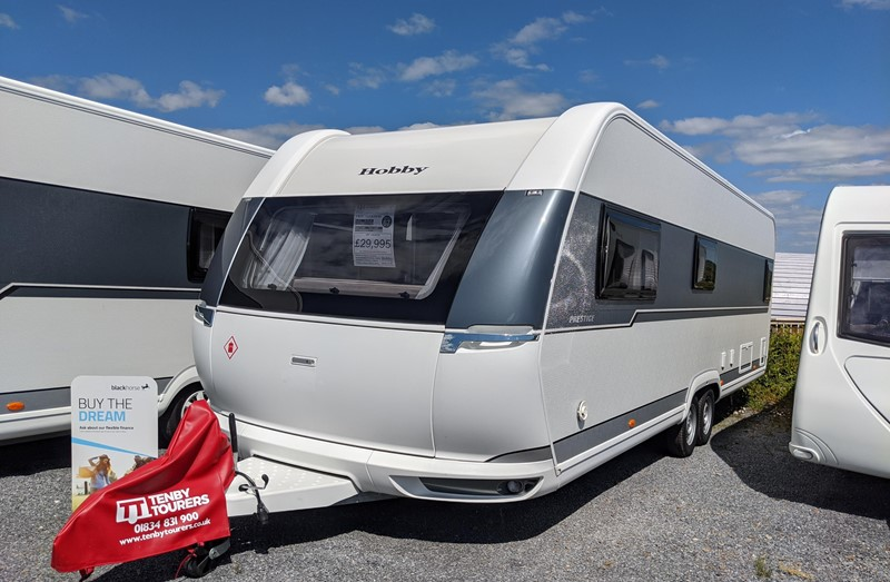 Touring Caravan for Sale: Brand new 2020 Hobby Prestige 720WQC luxury island bed twin axle 4 berth