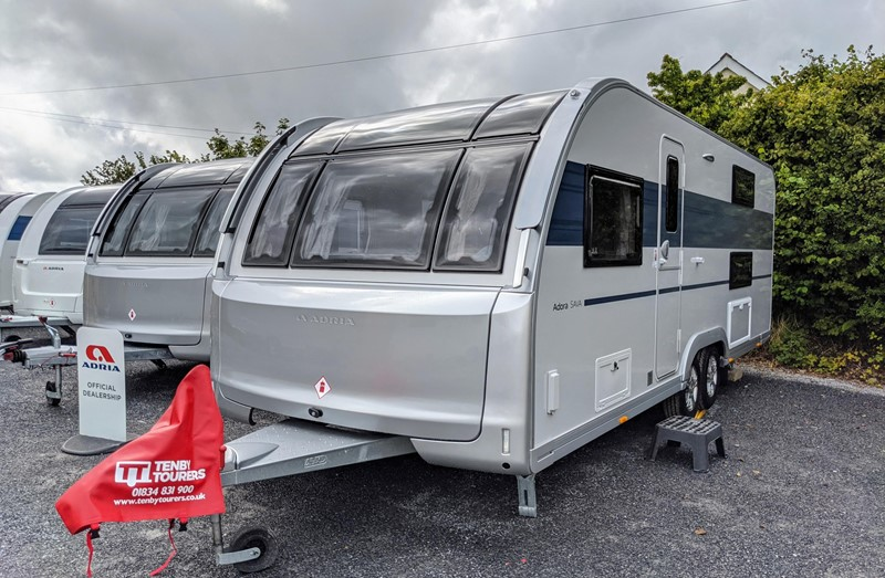 Touring Caravan for Sale: 2021 New Adria Adora 623DT Sava 6 berth fixed bunk beds end washroom twin axle family layout