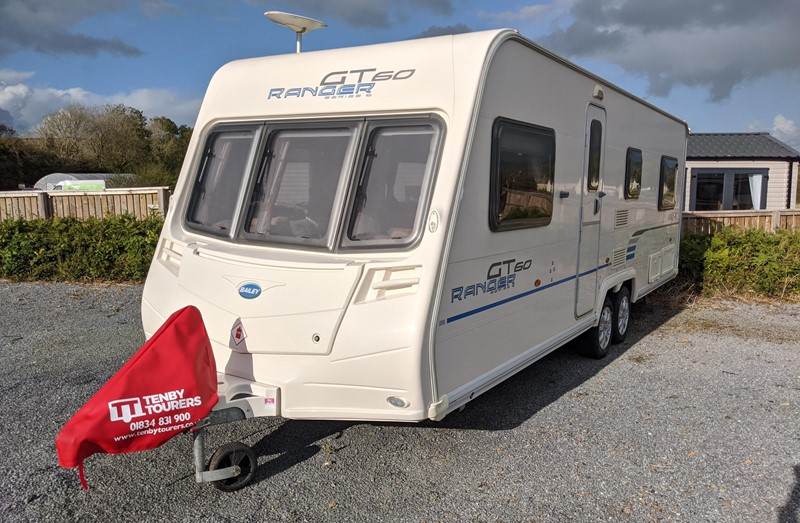 Touring Caravan for Sale: Bailey Ranger GT60 620-6 2009 6 Berth Fixed Double Bed Side Dinette Twin axle