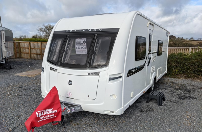 Touring Caravan for Sale: Coachman Vision 560/4 2014 4 Berth Fixed double bed Full end washroom separate shower motor-mover