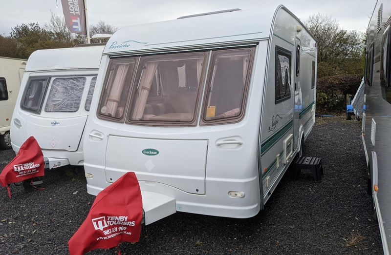 Touring Caravan for Sale: Coachman Pastiche 530/4 2002 4 Berth Fixed Bed motor-mover