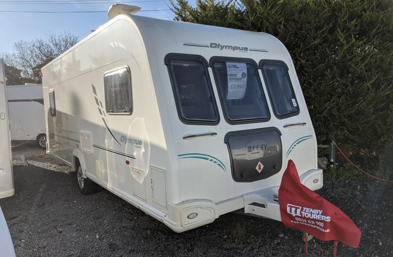 Touring Caravan for Sale: Bailey Olympus 525 2010 5 Berth Double Dinette Centre Washroom Awning Motor-mover