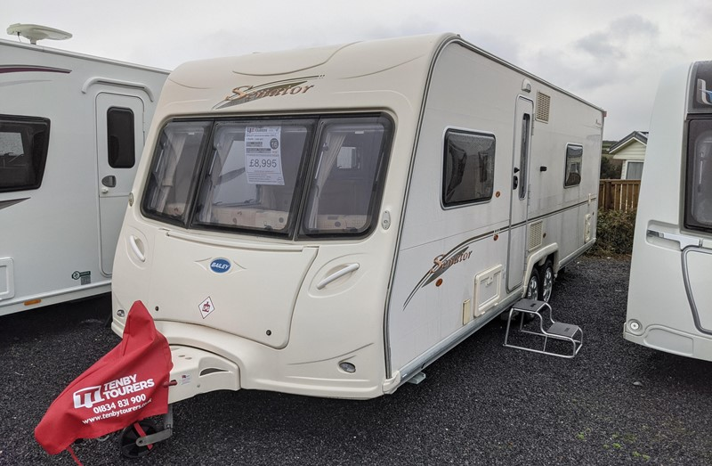 Touring Caravan for Sale: Bailey Senator Wyoming 2007 4 Berth Fixed double bed twin axle twin powrtouch motor mover